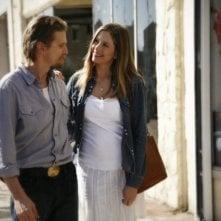 Mira Sorvino e Barry Pepper in una scena di Like Dandelion Dust