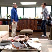 Michael Douglas e Shia LaBeouf in una scena di Wall Street 2: Money Never Sleeps