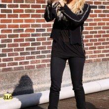 Shakira scherza con i fotografi fuori dal The Late Show
