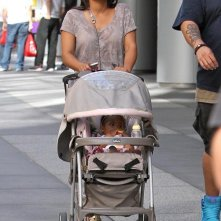 Christina Milian fa shopping con la figlia Violet a Los Angeles