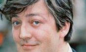 Stephen Fry sarà il fratello di Sherlock Holmes
