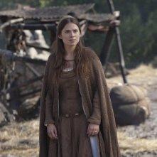 Hayley Atwell nella miniserie I pilastri della Terra