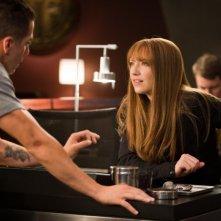 Kirk Acevedo ed Anna Torv nell'episodio The Plateau di Fringe
