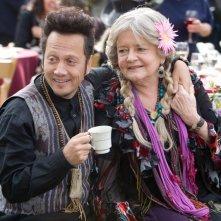 Rob Schneider e Joyce Van Patten in una scena di Un weekend da bamboccioni