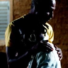 Youssouf Djaoro in una sequenza drammatica del film A Screaming Man