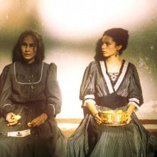 Consuelo Ciatti e Katy Louise Saunders in \'Un viaggio chiamato amore\' - 2002
