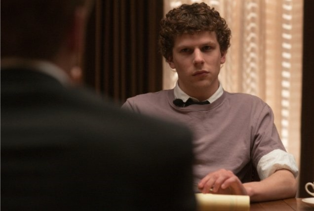 Jesse Eisenberg interepreta il giovane padre di Facebook in The Social Network