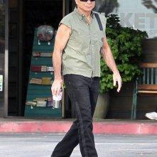 Robert Blake passeggia dopo pranzo