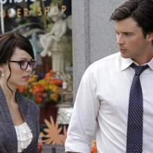 Laura Vandervoort e Tom Welling nell'episodio Supergirl di Smallville