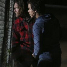 Donal Logue e Michael Raymond-James nell'episodio Change Partners di Terriers