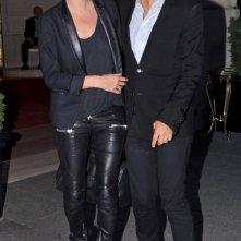 Kate Moss e Jamie Hince mentre lasciano l'hotel Ritz