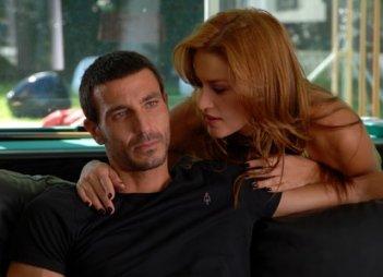 Lola Ponce e Daniele Liotti nella fiction Le due facce dell'amore