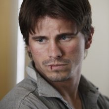 Jason Ritter nell'episodio Protect Them From The Truth di The Event