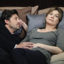 Patrick Dempsey e Ellen Pompeo in Can't Fight Biology di Grey's Anatomy