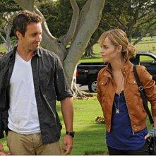 Alex O'Loughlin e Taryn Manning nell'episodio Lanakila di Hawaii Five -0