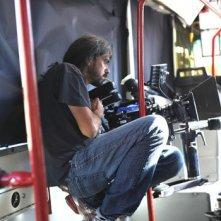 Il regista Fernando León de Aranoa durante le riprese del film Amador