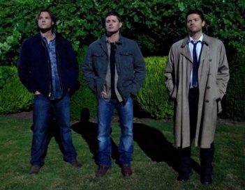 Jared Padalecki, Jensen Ackles e Misha Collins nell'episodio The Third Man di Supernatural