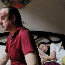 Toni Servillo e Mi Yang in una scena del film Gorbaciof