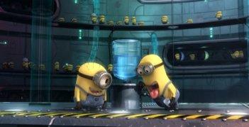 Un'immagine dei Minion in azione nel film Cattivissimo me