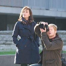 Kristin Scott Thomas e James Gerard in una scena del film Elle s'appelait Sarah