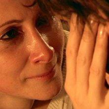 Pia Lanciotti in un intenso primo piano tratto dal film L'estate d'inverno