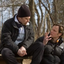 Sam Rockwell con il regista Tony Goldwyn sul set di Conviction