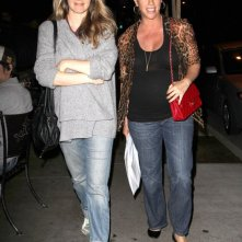 Alicia Silverstone con Alanis Morissette