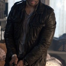 Omari Hardwick nell'episodio Shelter of the Beast di Dark Blue