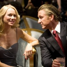 Sean Penn e Naomi Watts, protagonisti del thriller politico Fair Game