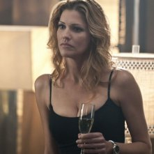 Tricia Helfer nell'episodio Shelter of the Beast di Dark Blue