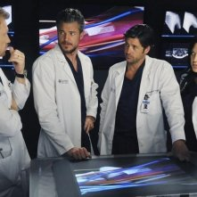 Una parte del cast di Grey's Anatomy nell'episodio These Arms of Mine