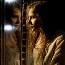 Chloe Moretz, protagonista dell'horror Let Me In in una bella scena del film