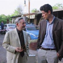 Leo Gullotta e Alessandro Gassman in una scena de Il padre e lo straniero