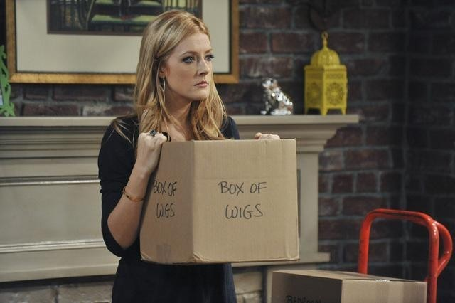 Jennifer Finnigan In Better With You Nell Episodio Better With Halloween 179452