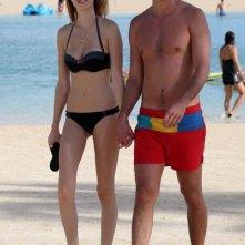 Whitney Port e il fidanzato Ben Nemtin durante una passeggiata romantica sulla spiaggia di Waikiki
