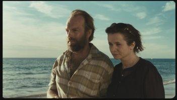 Emily Watson con Hugo Weaving nel dramma Oranges and Sunshine