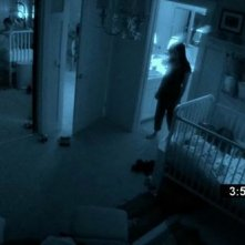 Una sequenza notturna del film Paranormal Activity 2