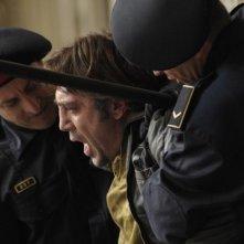 Javier Bardem in un momento di tensione del dramma Biutiful