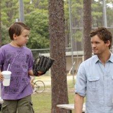 Jackson Brundage e Austin Nichols nell'episodio I Can't See You, But I Know You're There di One Tree Hill