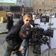 il regista Roy Geraci sul set de L\'amore non crolla mai
