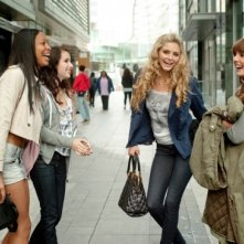 Emma Roberts, Ophelia Lovibond, Tamsin Egerton e Shanika Warren-Markland nel film 4.3.2.1
