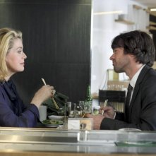 Catherine Deneuve e Romain Duris in una scena del film L'Homme qui voulait vivre sa vie