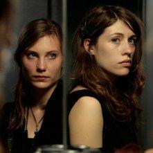 Elise Caron ed Elise Lhomeau, protagoniste di Des filles en noir