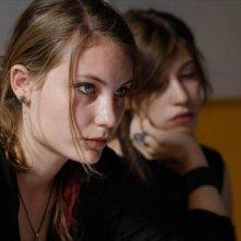 Elise Lhomeau in un'immagine del film Des filles en noir
