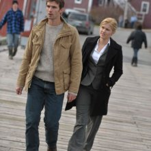 Haven: Lucas Bryant ed Emily Rose in una scena dell'episodio Welcome to Haven