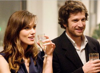 Keira Knightley in una sequenza del film Last night (2010)