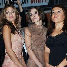 Festival di Roma 2010: Eva Mendes, Massy Tadjedin e Keira Knightley assistono alla protesta durante la serata inaugurale