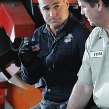 George Eads in CSI: Scena del crimine nell'episodio Bump & Grind