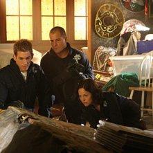 Jorja Fox, Eric Szmanda, George Eads in CSI: Scena del crimine, nell'episodio House of Hoarders