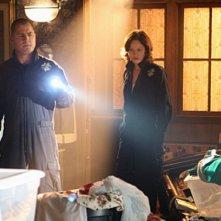 Jorja Fox, George Eads in CSI: Scena del crimine, nell'episodio House of Hoarders